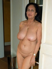 Sexy and Classy Mature Ladies waiting..