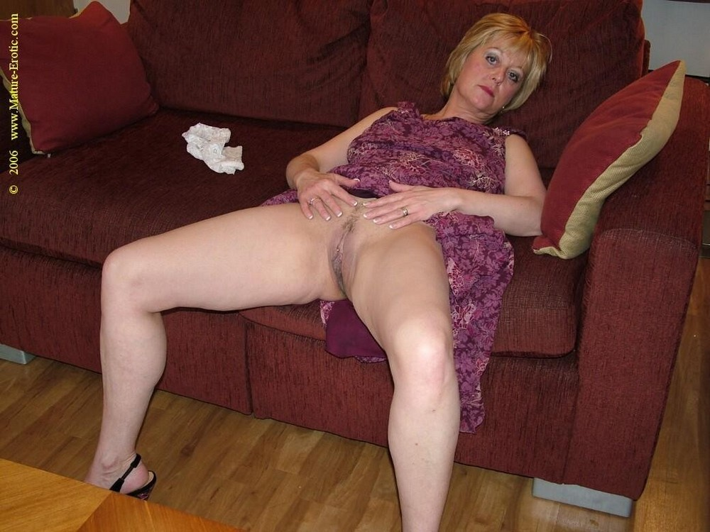 Mature Sex | Hairy Mature Housewife