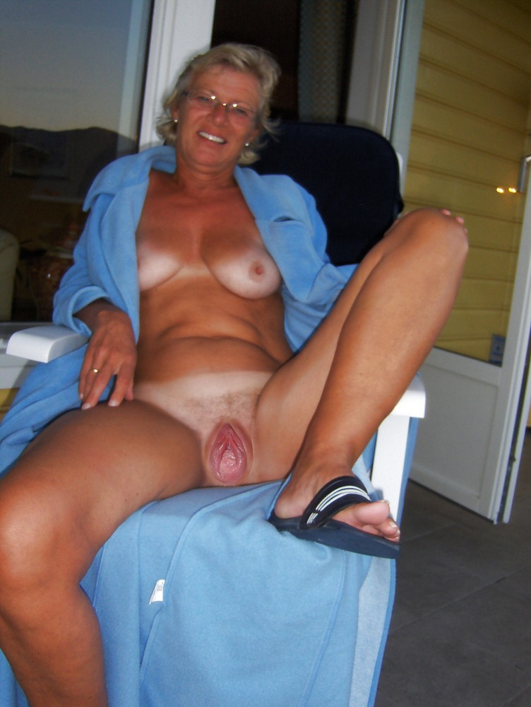 old fat naked women images