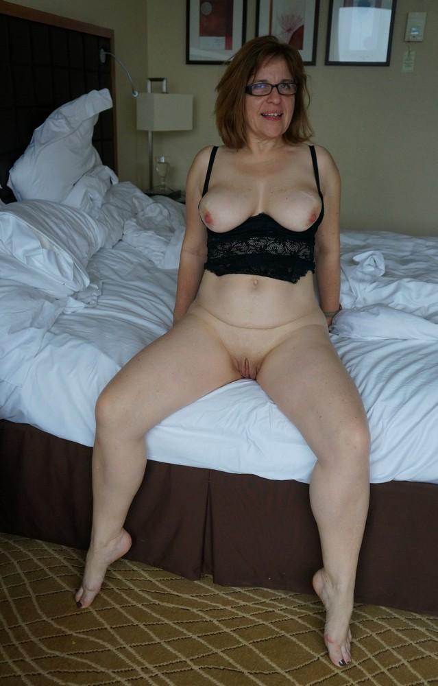 Amateur short italian nude