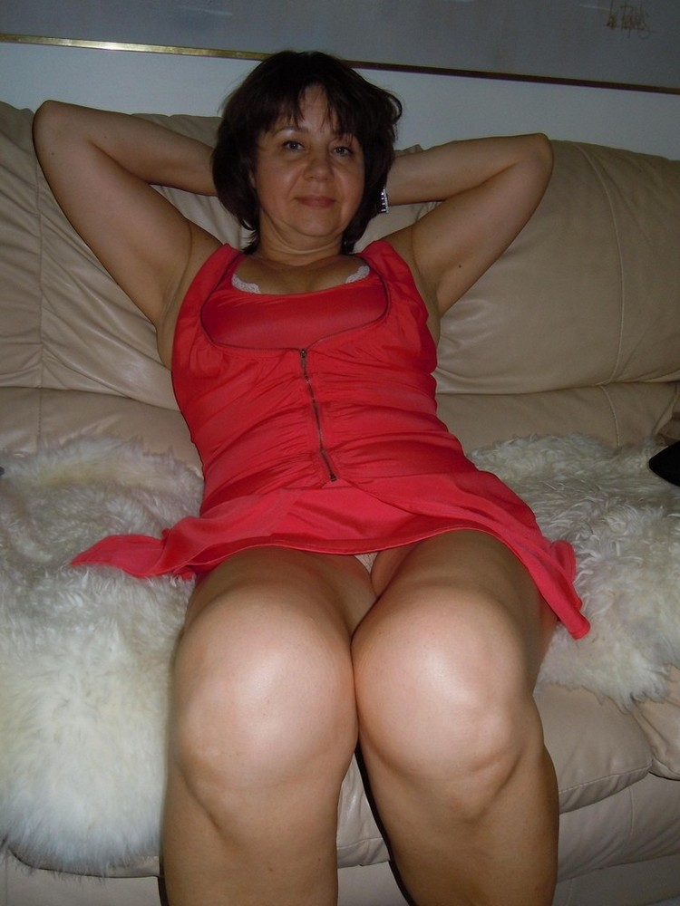 amatuer naked milf wife