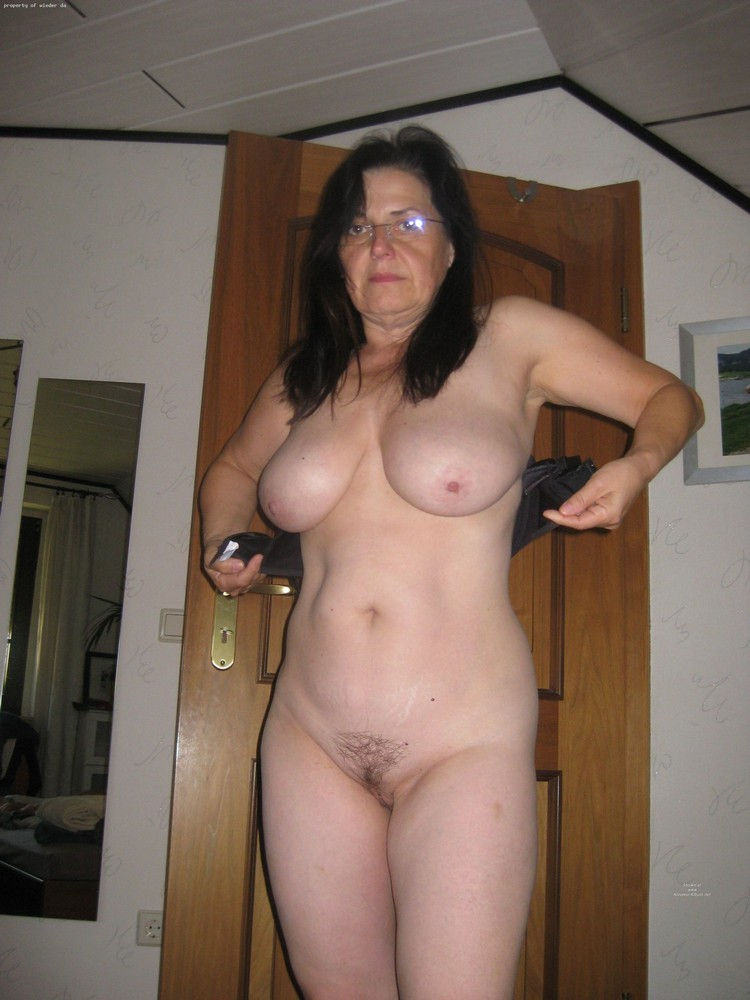 mom nude amateur home
