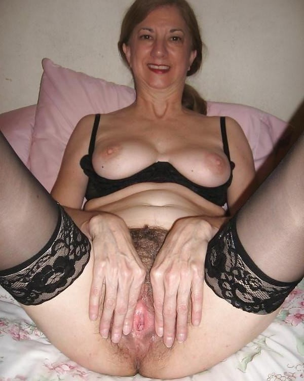 Amateur uk mom hungry for a good fuck 5