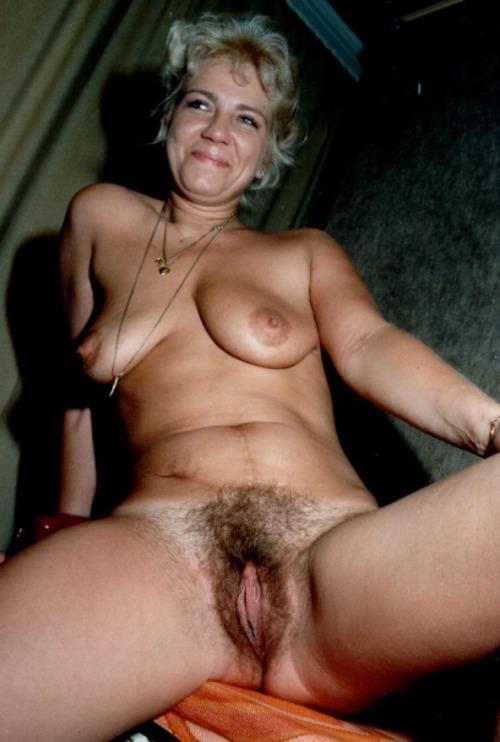 Amateur mature cheap slut exposes her hairy beaver - big ...
