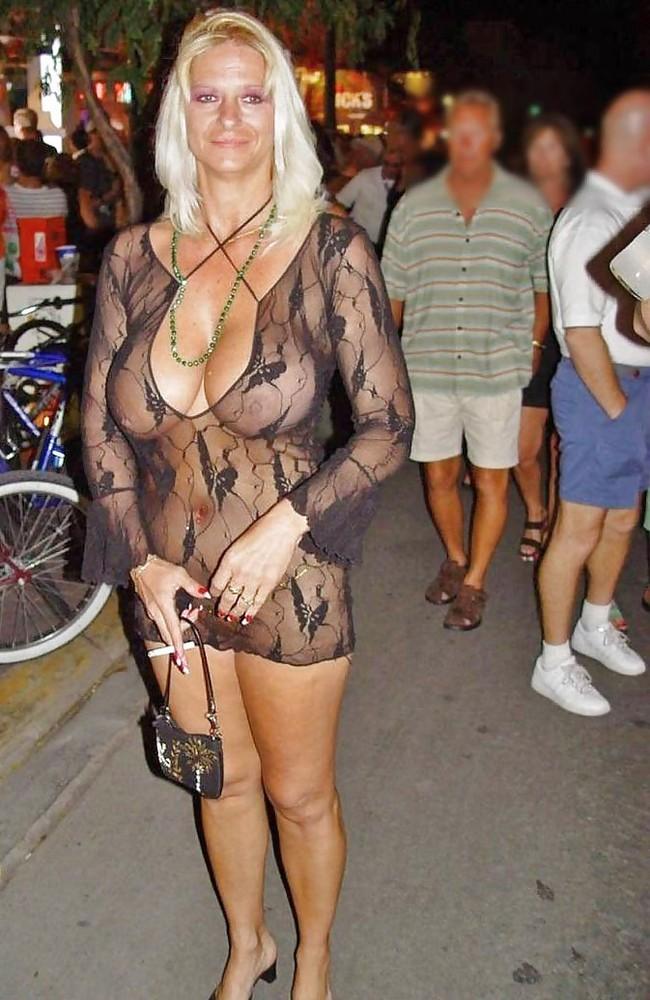 Naked hot women uk