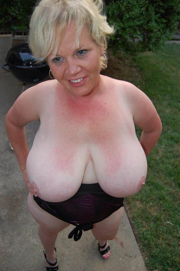 Mature wife big boobs Busty Uk Wives Naked Big Boobs Photos Big Photo 4